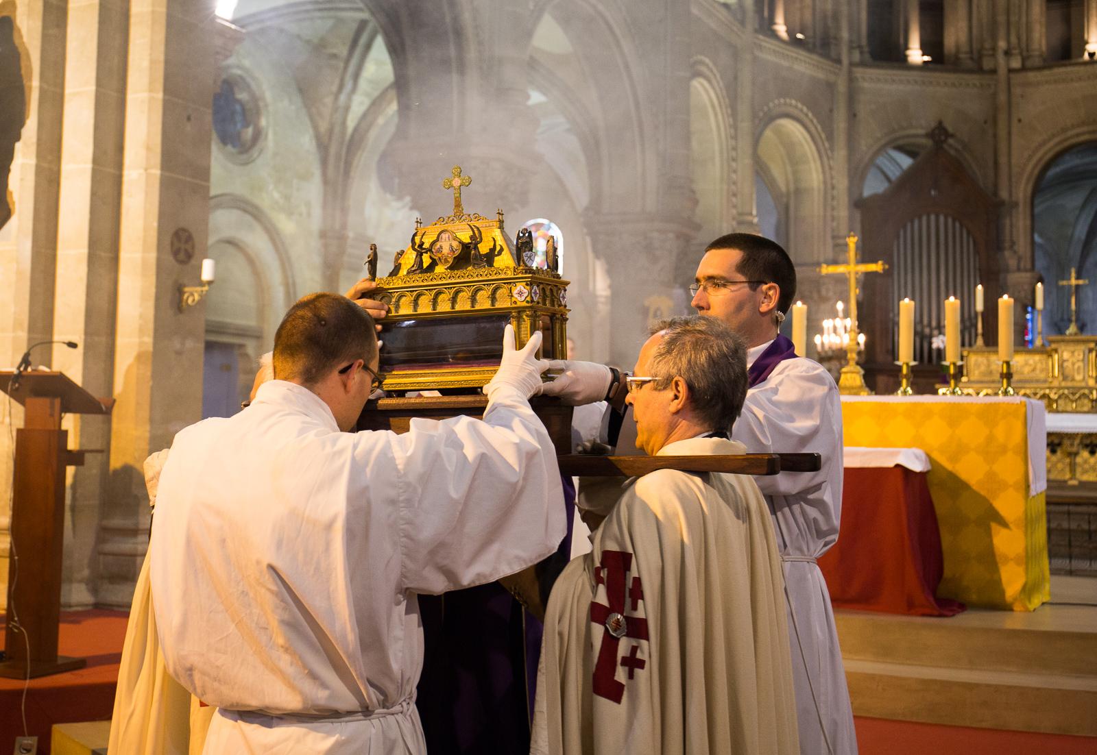 vénération sainte tunique