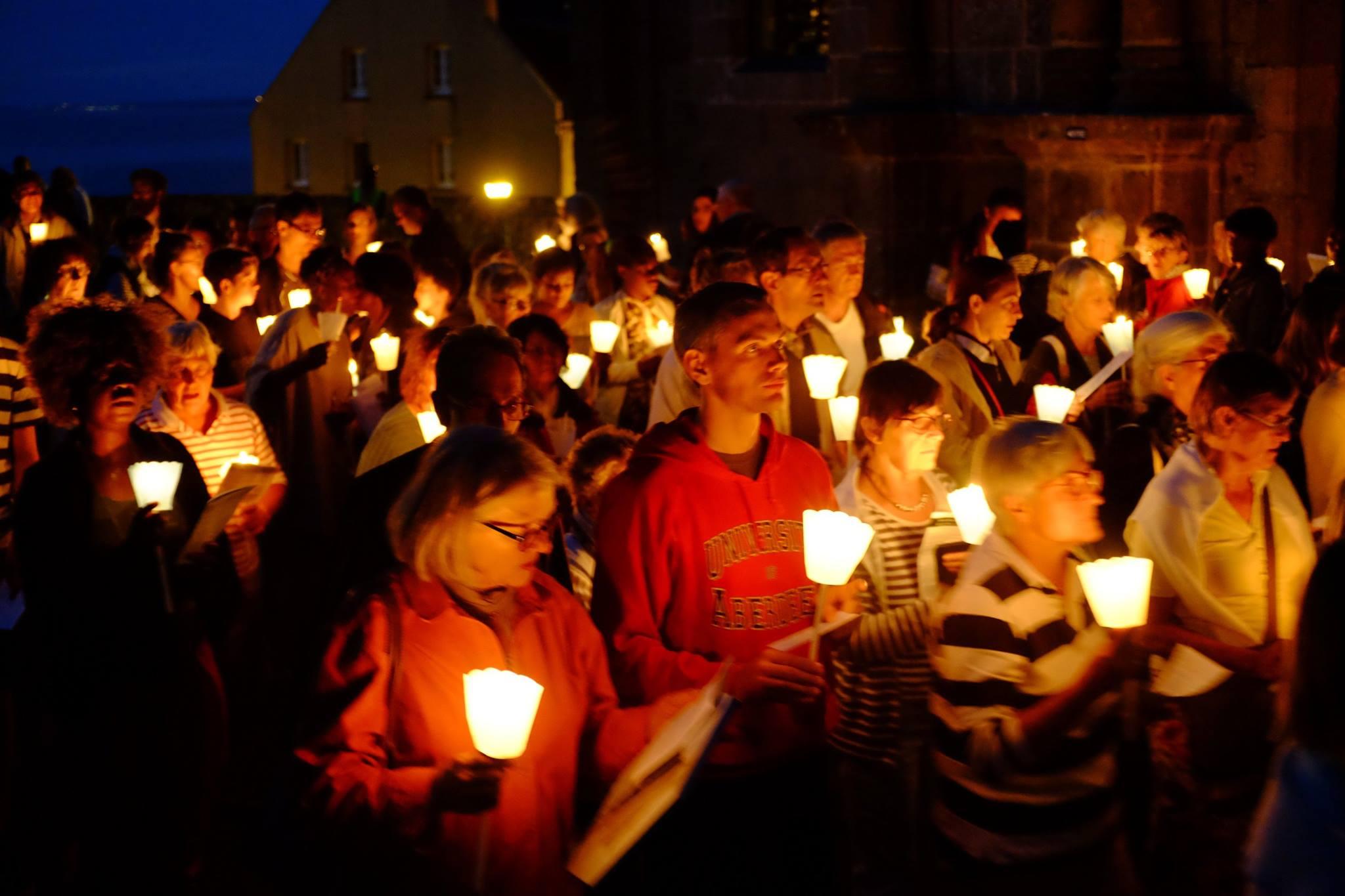 procession flambeaux