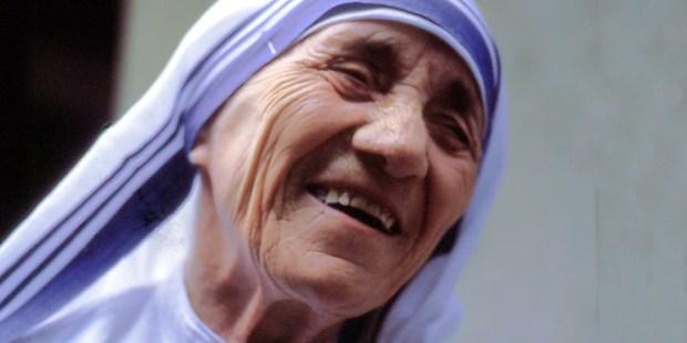 Sainte Mère Teresa : 5 septembre Web3-mother-teresa-nun-wikipedia