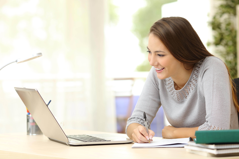 WEB2-STUDENT-HOME-shutterstock_327265679.jpg