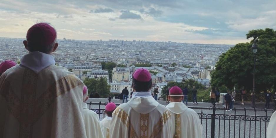 Les évêques confient la France au Sacré-Cœur Capture-2